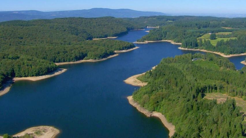 Photo du Lac des Saint-Peyres dans le Parc naturel régional du Haut-Languedoc