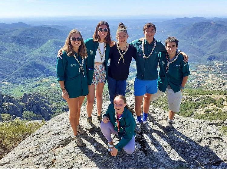 Six jeunes scouts au service de la préservation de l'environnement du Parc naturel régional du Haut-Languedoc