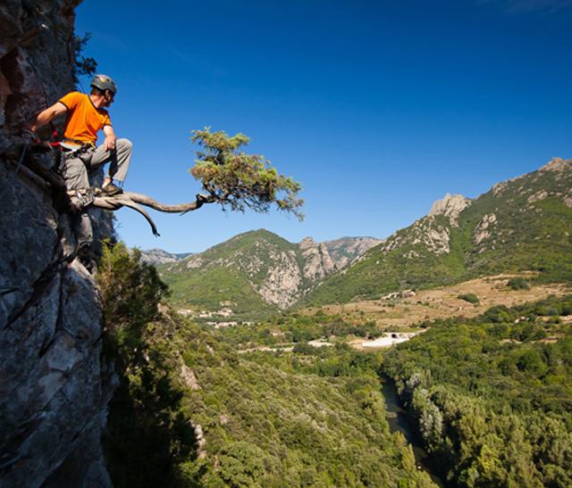 Visuel des monts du Caroux dans le Parc naturel régional du Haut-Languedoc